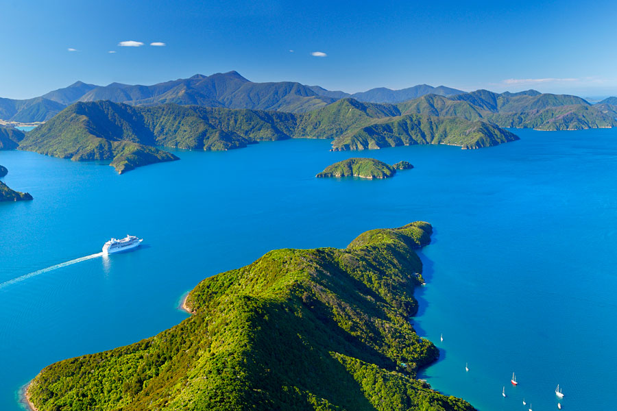 Cruising in Marlborough Sounds Picton Ferry