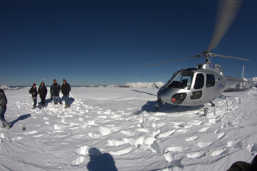 Hanmer Helicopters Snow Landing