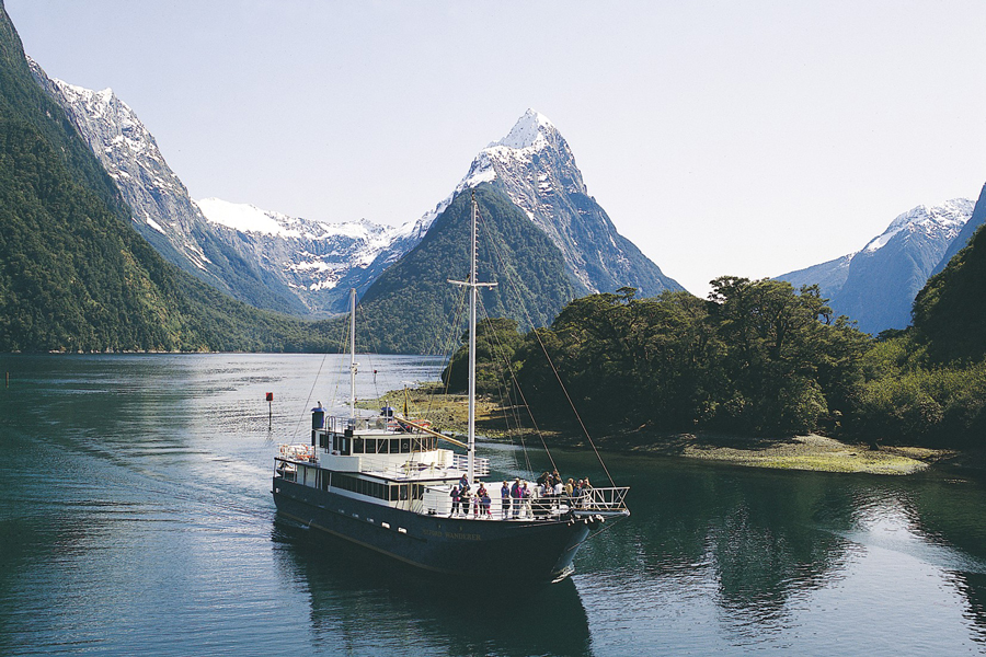 Milford Sound Cruise Winter