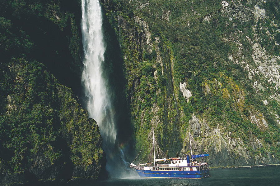 Milford Sound Cruises Overnight