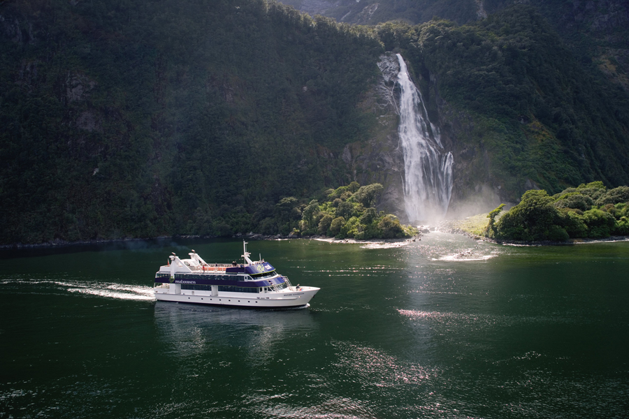 Milford Sounds Scenic Cruise Boat