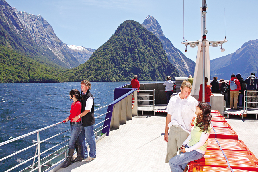 Milford Sounds Scenic Cruise View