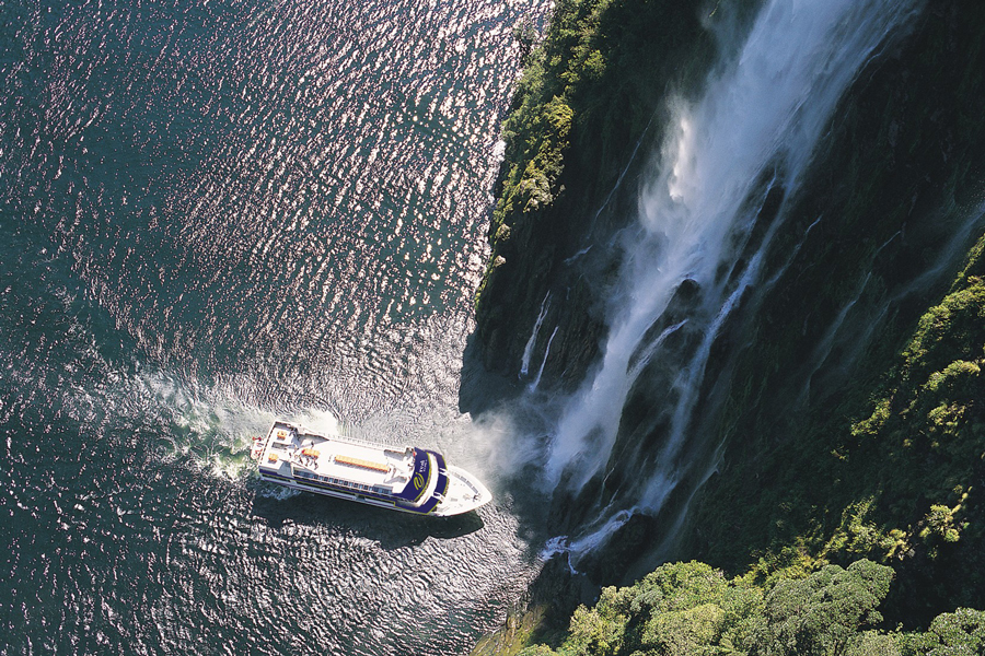 Milford Sounds Scenic Cruises