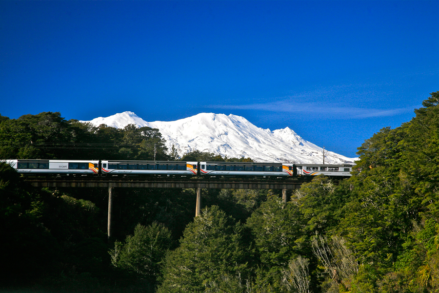 Northern Explorer Manganui A Te Ao Viaduct