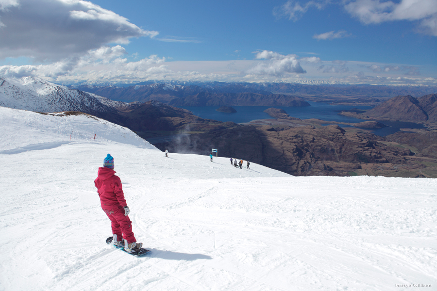 Skiing Wanaka NZ