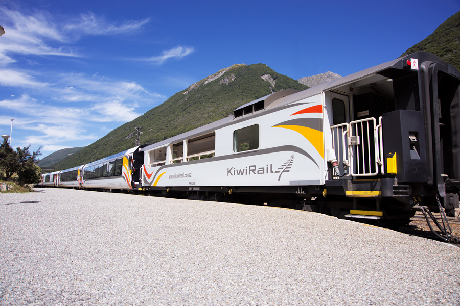 Tranz Alpine Carriages At Arthurs Pass