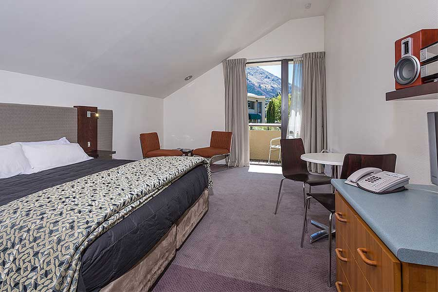 Garden court suites apartments queenstown hotel Garden court apartments