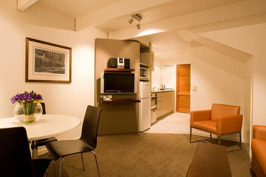 Garden Court Suites Apartments Queenstown Hotel