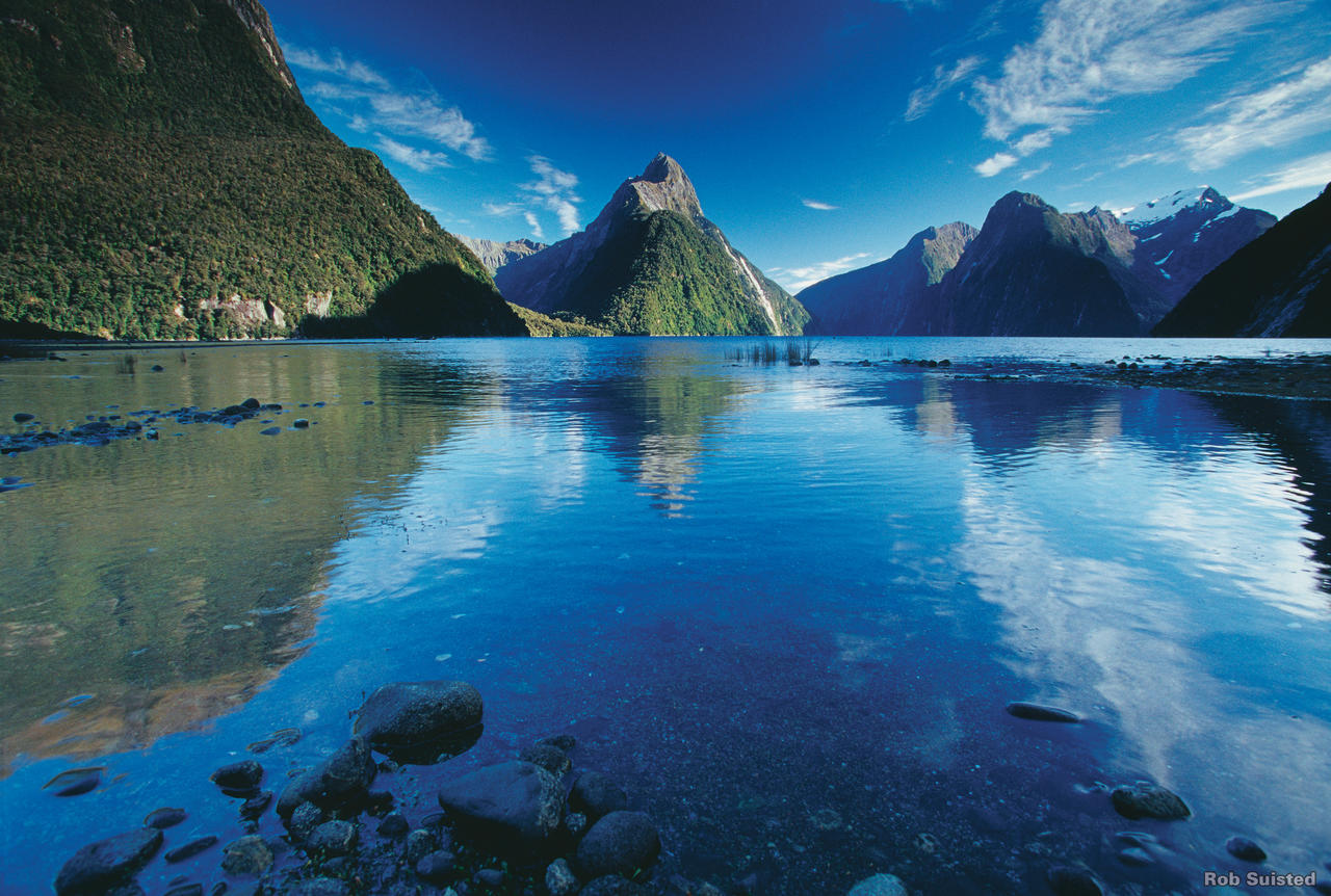 L Milford Sound Fiordland Rob Suisted