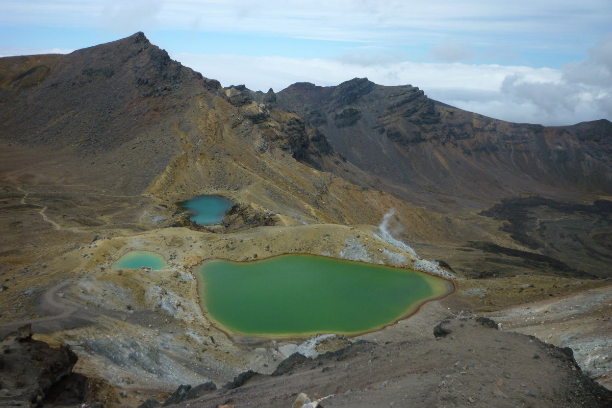 Tongariro Alpine Crossing day hike