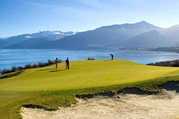 21 Day New Zealand 19th Hole Golf Package
