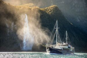 milford sound overnight cruise wanderer