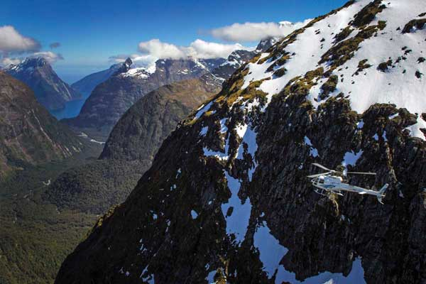 Heliworks Queenstown Helicopter Tours – Fiordland & LOTR