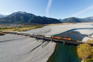 tranzalpine train new zealand luxury tour